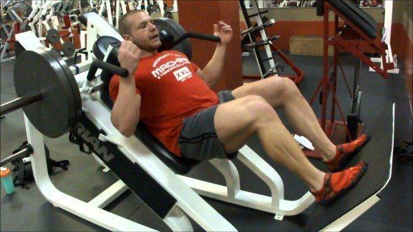 Gym Showdown: Hack Squats vs Regular Squats - MaxedMuscle.com